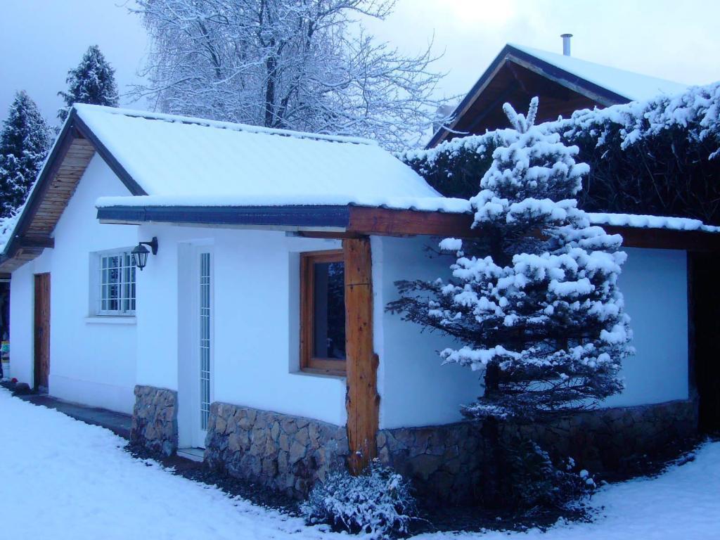 Bariloche alquilo bungalow nuevo a metros del lago