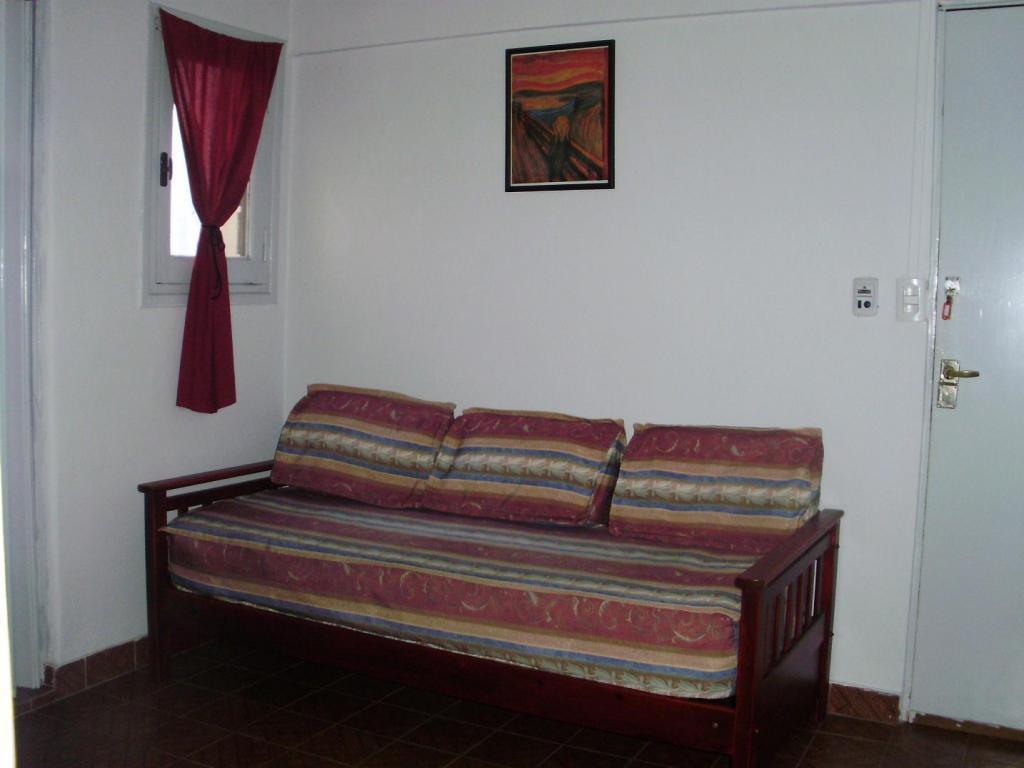 Departamento 2 ambientes con terraza propia Amoblado en Perú 1100
