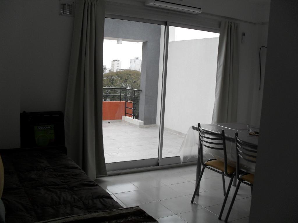 Excelente dpto, con amplia terraza !! cómodo, amoblado y equipado. ALQUILER POR DIA!