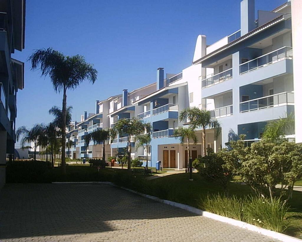 Departamento vista al mar en Florianópolis,Brasil en condominio con piscina, cancha de fútbol,tenis